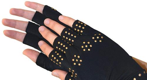 Magnetic gloves